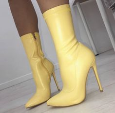 Pretty Shoes, Cute Shoes, Me Too Shoes, High Heel Boots, Heeled Boots, Shoe Boots, Leather High Heels, Shoes Heels Boots, Dream Shoes