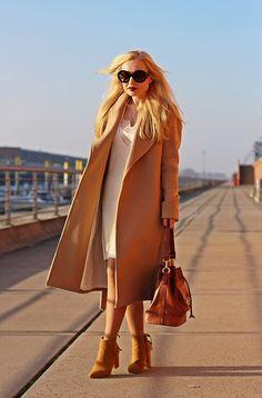 Get this look: http://lb.nu/look/8640403  More looks by Justyna B.: http://lb.nu/user/1107377-Justyna-B  Items in this look:  Zara Bag, Prada Sunglasses   #casual #classic #street