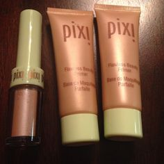 Pixi Beauty Flawless Beauty Primer & Fairy Dust The Pixi Beauty Flawless Beauty Primer is loaded with skin loving ingredients. Formula contains powerful anti-aging and skin fortifying benefits. Formula suitable for all skin types. SIZE .4 OZ AND Elevate & transform your eye in a few fairy seconds with this glimmering dust. Loose pigments add a lit-up high shine finish to lids, reminding you what wishes are truly made of! SIZE .2 OZ Pixi Beauty Makeup