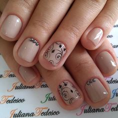 20.3 mil seguidores, 294 seguindo, 1,378 publicações - Veja as fotos e vídeos do Instagram de ❤️💅Juliana Tedesco ❤️💅 (@juuhtedescoo) Pink Gel Nails, Glittery Nails, Nude Nails, Short Nail Designs, Nail Designs Spring, Nail Art Designs, Hair And Nails, My Nails, Special Nails