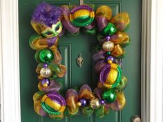 New Orleans Crafts by Design: Mardi Gras Deco Mesh Picture Frame Wreath