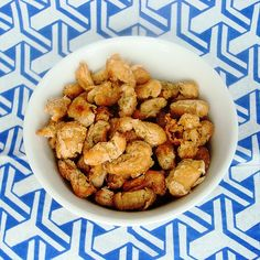 Roasted Cannellini Beans with Rosemary – New Cook on the Block Healthy Snacks, Healthy Eating, Healthy Life, Vegan Recipes, Snack Recipes, Vegetable Recipes, Roast, Clean Eating, Beans