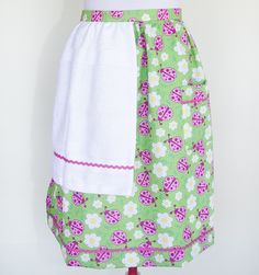 Scattered ladybugs apron with white towel and pink trim.  $25 plus postage.  Please message with orders.  wendyjh@live.com.au