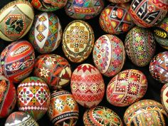 Traditional-Decorated-Eggs-DiPietro-Collection-02-27-13.jpg (400×300)