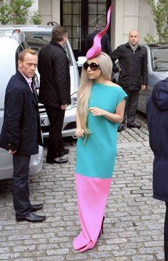 Lady Gaga: lo stile e i look più glam di Miss Germanotta - Elle  Ciò in testa un pensiero...