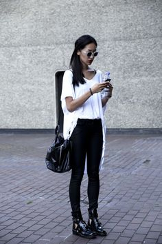 fabulous black + white - street style