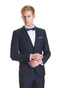 Top Tips On How To Wear Custom Men's Dress Shirt https://tailormader.com/wordpress/index.php/top-tips-wear-custom-mens-dress-shirt/