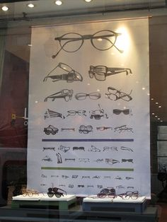 """From a boutique in the """"Marais"""" area in Paris. Display ideas."""
