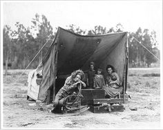 "he photograph that has become known as ""Migrant Mother"" is one of a series of photographs that Dorothea Lange made in February or March of 1936 in Nipomo, California. Lange was concluding a month's trip photographing migratory farm labor around the state for what was then the Resettlement Administration.""There she sat in that lean- to tent with her children huddled around her, and seemed to know that my pictures might help her, and so she helped me. """