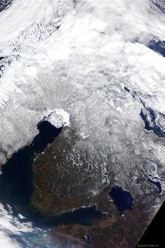 Suomi 26.3.2014. Kuva NASA.
