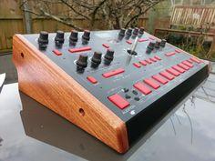 Red Sound Dark Star in Mahogany Studio Gear, Dark Star, Wood Design, Wood Paneling, Wood Crafts, Music Instruments, Red, Ebay, Wooden Panelling