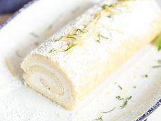 Zitronen-Biskuitrolle mit süß-saurer Creme
