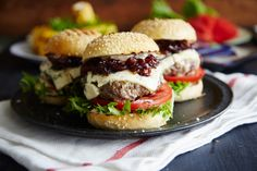 Burger Blue Sliders with red onion-strawberry relish | Castello Canada