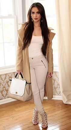 Carli Bybel wearing a Missguided Khloe Oversized Premium Waterfall Coat, Ludora earrings, a Zara top, a New Look Rita Rouched Winged Satchel,  Oasis Jade Zip Detail Cream Jeans and  Fahrenheit shoes. #carlibybel #style