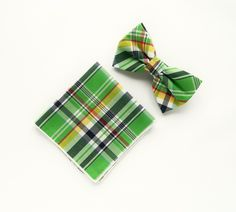 Green plaid bow tie Pre-tied scottish green bow tie pocket square gift for men wedding bow tie plaid groomsmen bow tie by TheStyleHubTrends on Etsy