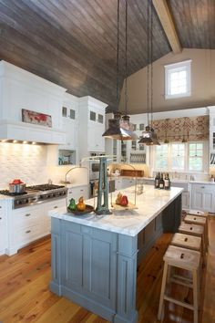 The lake house: A Nantucket-style home full of charm : Home & Garden