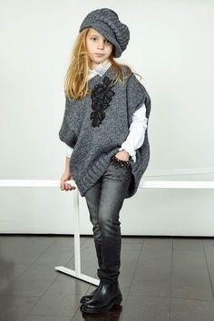 Look Miss Blumarine Jeans 2015 Girls Winter Outfits, Cute Little Girls Outfits, Kids Winter Fashion, Outfits Niños, Kids Outfits, Fashion Outfits, Tween Fashion, Little Girl Fashion, Moda Junior