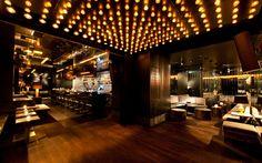 DEAN AMANO Bar Gäste können sich freuen. Wer am Wochenende zu späterer Stunde noch Lust auf Clubatmosphäre verspürt, aber auf die gewohnte Qualität der AMANO Bar nicht verzichten möchte, überquert einfach die Straße und geht ins DEAN. Das Club-Bar-Konzept vereint … Continue reading →