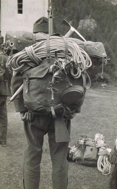 Unknown (to me) mountain infantry Swiss Army Backpack, Army Rucksack, The Things They Carried, Mountain Climbing, Rock Climbing, German Soldiers Ww2, Vintage Backpacks, Austro Hungarian, Adventure Gear