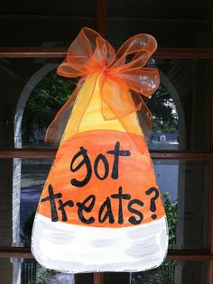 Got treats? This candy corn door hanger will be sure to look so cute on your door this Halloween! Item is 24 x Item is made of wood Halloween Boo, Holidays Halloween, Halloween Crafts, Halloween Decorations, Halloween Costumes, Wood Decorations, Halloween Garland, Halloween Scene, Halloween House
