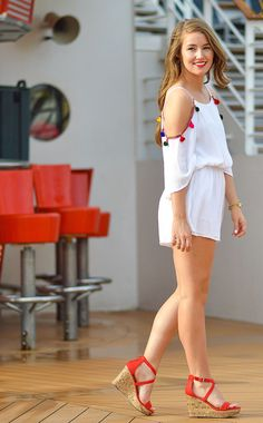 A Fiesta Favorite By A Lonestar State Of Southern Fashion 2020, Girl Fashion, Style Fashion, Fashion Tips, Mode Style, Style Blog, Senior Photos Girls, Girls In Mini Skirts, Sexy Legs And Heels