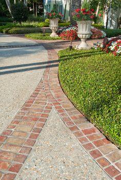 Landscape driveway Design Idea