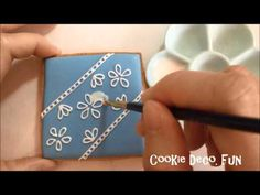 How to make a lace cookie 如何手繪透明蕾絲糖霜餅乾 - YouTube