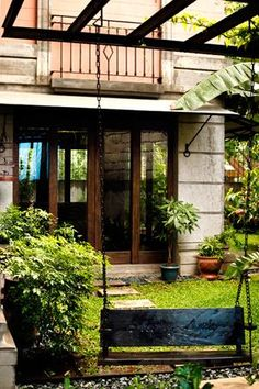 Interior designer Jie Pambid reveals the best things about a Pinoy house Filipino Architecture, Philippine Architecture, Art And Architecture, Modern Filipino House, Filipino Interior Design, Philippine Houses, Bamboo House, Enchanted Home, Cabins And Cottages