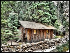 Cabin beside the road heading to Seven Falls in Colorado.    Since the elbow doesn't work, I'll work on uploading some old vacation photos.     Beautiful cottage
