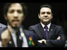 Jean Wyllys dá chilique e Marco Feliciano tira sarro