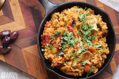 A gluten-free and vegan version of the Spanish dish Paella. Rich, hearty and complex flavors come together easily in this one pan dinner! Vegetarian Lifestyle, Vegan Vegetarian, Vegetarian Recipes, Healthy Recipes, Veggie Recipes, Real Food Recipes, Cooking Recipes, Clean Eating, Healthy Eating