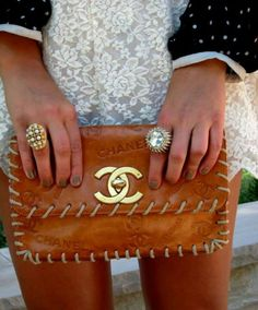 IT'S OFFICIAL I AM IN LOVVVEEEE!!!! Chanel brown clutch with stitch details ... Coveting