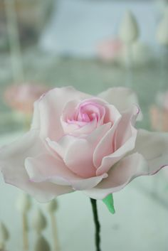 Tutorial on making roses (use polymer)...