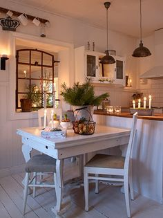6 Admirable Cool Ideas: Tiny Kitchen Remodel Mobile Homes kitchen remodel tile open shelves.Small Kitchen Remodel With Laundry country kitchen remodel exposed beams. Cozy Kitchen, Country Kitchen, New Kitchen, Kitchen Dining, Kitchen Decor, Scandinavian Kitchen, Kitchen Ideas, Rustic Kitchen, Dining Area