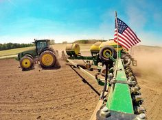 Image Gallery: Our Fans Celebrating the 4th of July John Deere Style! http://blog.machinefinder.com/18986/image-gallery-fans-celebrating-4th-july-john-deere-style