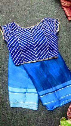 Pretty blue silk saree and statement blouse. Sari Blouse Designs, Blouse Patterns, Beautiful Blouses, Beautiful Saree, Indian Attire, Indian Wear, Indian Blouse, Indian Sarees, Indian Dresses
