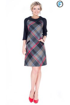 something I wore in high school - nostalgic Like the plaid, the collar, pockets and straight A line Simple Dresses, Casual Dresses, Short Dresses, Casual Outfits, Work Outfits, Modest Fashion, Fashion Dresses, Tartan Fashion, Mode Hijab