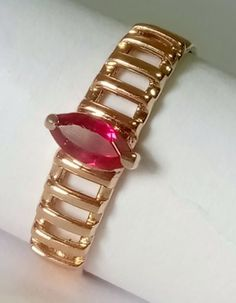 Catawiki online auction house: 14 kt. Gold - Ring - 0.30 ct Ruby Filigree Jewelry, Ruby Jewelry, Gemstone Jewelry, Antique Jewelry, Men's Jewellery, Designer Jewellery, Vintage Jewellery, Gold Jewelry, Cool Necklaces