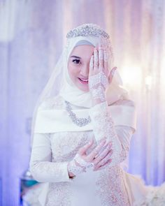 Deadly Mistake Uncovered On Malay Wedding Dress Hijab Muslim And How To Avoid It 96 Muslim Gown, Muslim Wedding Gown, Malay Wedding Dress, Muslimah Wedding Dress, Muslim Wedding Dresses, Muslim Brides, Wedding Hijab, Wedding Party Dresses, Bridal Dresses