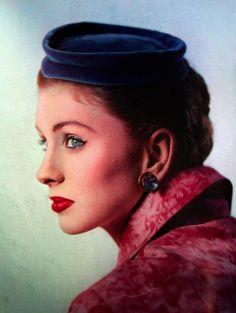 Suzy Parker - Vogue Paris 1952