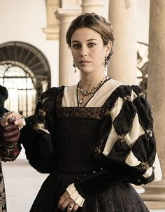Look at the sleeve treatment. Renaissance Costume, Renaissance Dresses, Medieval Costume, Renaissance Fashion, Medieval Dress, Medieval Clothing, Italian Renaissance, Tudor Costumes, Period Costumes