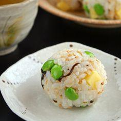 Onigiri Recipe, Asian Recipes, Healthy Recipes, Healthy Food, Kimbap, Rice Balls, How To Cook Rice, Aesthetic Food, Japanese Food