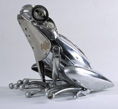 Yard Art Made From Junk | Frog sculpture made from scrap metal