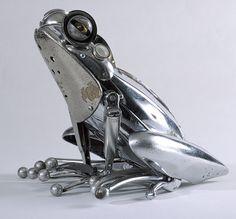 Yard Art Made From Junk | Frog sculpture made from scrap metal