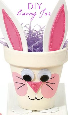 DIY Bunny Pot // Create this easy bunny jar for your last minute Easter decorations