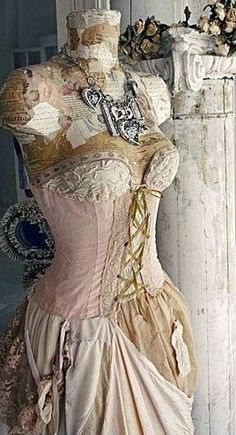 ~ shabby n chic decoration decor Look Vintage, Vintage Shabby Chic, Shabby Chic Style, Shabby Chic Decor, Rustic Decor, Old Dresses, Vintage Dresses, Vintage Outfits, Vintage Fashion