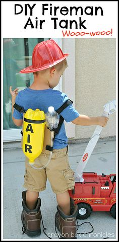 DIY Fireman Air Tank & Pretend Play made from recycled bottles by Crayon Box Chronicles. firefighter preschool, halloween costume firefighter, my daddy is a firefighter Costume Halloween, Costume Garçon, Diy Costumes, Halloween Diy, Preschool Halloween, Diy For Kids, Cool Kids, Halloween Disfraces, Dramatic Play