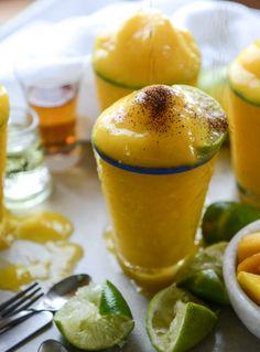 fresh mango margarita frosty I howsweeteats.com