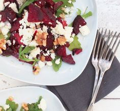 Zu allererst: Rote Bete und ich sind bisher keine Best Friends gewesen. Richtig guten Rote Bete Salat liebe ich zwar sehr, aber meistens sc...