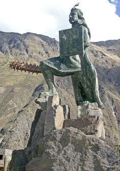 Statue of the Supreme Inca Pachacuti Yupanqui or Pachakutiq Inka Yupanki was the ninth Sapa Inca of the Kingdom of Cusco which he transformed into the Inca Empire. Machu Picchu, Ancient Ruins, Ancient History, Bolivia, Inca Empire, Equador, Argentine, Statues, Peru Travel